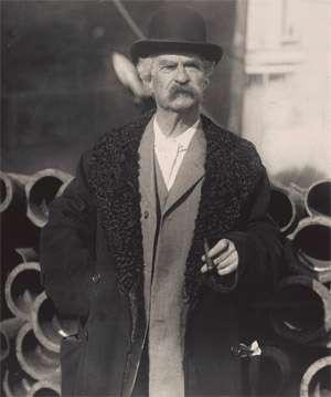 Humorous Motivational Speaker Mark Twain